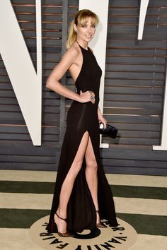 Pin for Later: Die Stars feiern ausgelassen nach den Oscars Jessica Hart