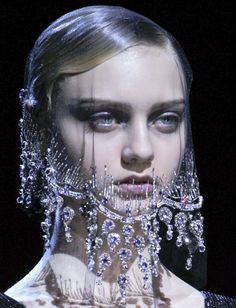http://kasiagorgeous.tumblr.com/post/26577943116/armani-prive-haute-couture-autumn-winter-2012