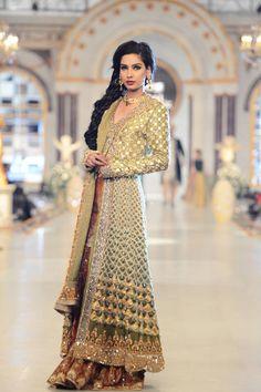 Pakistan Desi South Asian fashion.