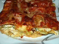 Lasagnes aux courgettes et chèvre. (Recettes légères) Lasagna, Quiche, Waffles, French Toast, Breakfast, Ethnic Recipes, Food, Mary, Chicken Schnitzel