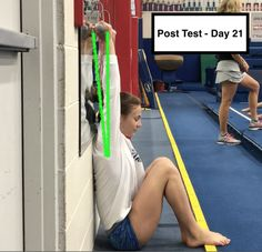 The Exact Drills I Use to Increase Overhead Shoulder Flexibility Flexibility Test, Shoulder Flexibility, Gymnastics Flexibility, Shoulder Range Of Motion, Thoracic Spine Mobility, Strength Program, Elbow Pain, Gymnastics Videos, Step Workout