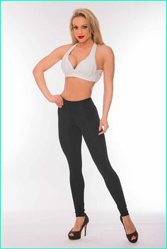 These women's black fold over leggings are proven to reduce the appearance of cellulite! Learn more about the technology behind these anti-cellulite leggings. Body Movement, Muscle Fatigue, Anti Cellulite, Lifestyle Clothing, Daily Wear, Metabolism, Brazil, Benefit, Blood