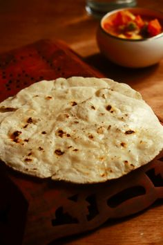 Rice bhakri recipe, tandlachi bhakri is a tasty, healthy breakfast recipe made with rice flour. it can be served with any gravy Easy To Make Breakfast, Healthy Breakfast Recipes, Healthy Chicken Recipes, Vegan Recipes, Vegetarian Breakfast, Gluten Free Wraps, Brunch, Paleo, Indian Breakfast