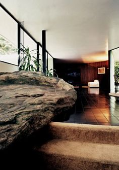I would have big rocks inside my house if I had room. (Casa das Canoas (1953) by Oscar Niemeyer, Rio de Janeiro, Brazil)