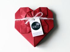Heart  Origami  Red  Ornament  Label  Card  Gift  por LINEUPDESIGN, €4.00