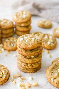 White Chocolate Macadamia Nut Cookies - Kim's Cravings Best White Chocolate, White Chocolate Macadamia, White Chocolate Chips, Cookie Desserts, Cookie Recipes, Dessert Recipes, Macadamia Nut Cookies, No Bake Cookies, Sweet Tooth