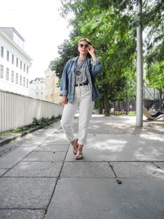 My sister is back from her fashion trip to Kopenhagen in Denmark and I was so inspired that I decided to tell you her 3 favorite places to be and show you what to wear when you are in Kopenhagen. Plain fabric, cute patterns like stripes or dots, clean cuts, soft colors like blue, beige, white and grey,...
