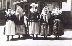 Old photograph from the region of Biskupizna. Polish Folk Costumes / Polskie stroje ludowe