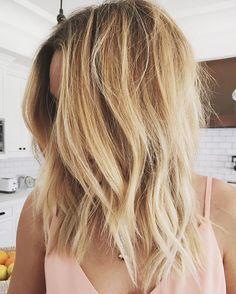 """Lauren Conrad's new """"soft shag"""" lob haircut - click through for the details!"""