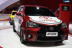 O Toyota Etios estava no Salão do Automóvel. http://tacerto.d.pr/19gAf