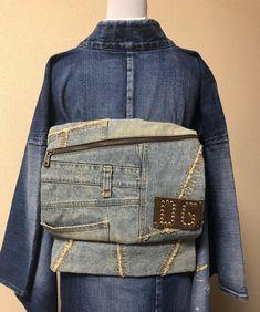 デニム👘にドルガバのバックの リメイク✂️帯 #デニム#デニム着物 #ドルガバ #リメイク Old Jeans, Denim Jeans, 70s Fashion, Vintage Fashion, 70s Mode, Traditional Japanese Kimono, Modern Kimono, Patchwork Jeans, Kimono Fabric