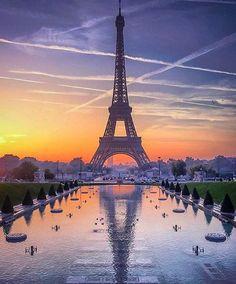 Hotels-live.com/cartes-virtuelles #MGWV #F4F #RT  Bon voyage!  Where will your next adventure take you? Photo by @dotzsoh #GlobeJetSetter by globejetsetter https://instagram.com/p/9XJUq9SjyO/