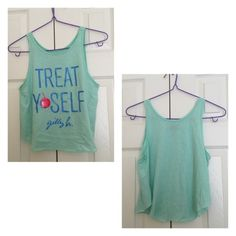 Gilly Hicks treat yourself crop top xs worn once,this top is kinda short, ❌NO TRADE‼️ Gilly Hicks Tops Crop Tops