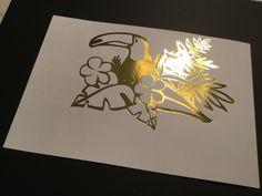 he preparado unos diseños a todo color, con motivos veraniegos y muy actuales (cactus, unicornios, tropicales, piñas, flamencos,...) preparados para aplicar foil sobre una imagen a color. Tropical, Cactus, Lettering, Flamingos, Unicorns, Appliques, Colors, Cactus Plants, Drawing Letters