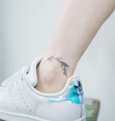 Minimalista flower ankle tattoo by Soltattoo.  #솔타투#soltattoo#tattooistsol