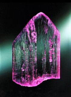 Kunzite Crystal - harold and erica van pelt photography Large Crystals, Crystals And Gemstones, Stones And Crystals, Pictures Of Crystals, Rare Gems, Quartz Stone, Rocks And Minerals, Healing Stones, Alchemy