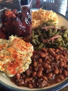 Nice plate of food 🥘 😋🤤 Food Obsession, Food Goals, Aesthetic Food, Food Cravings, I Love Food, Food Dishes, Foodies, Yummy Food, Healthy Food