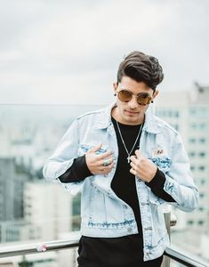 In honor of Erick looking so great in his all denim outfit at billboards. Cnco Band, Boy Bands, Erik Brian Colon, Rain Jacket, Bomber Jacket, Five Guys, Prince Royce, Aesthetic Boy, Denim Outfit