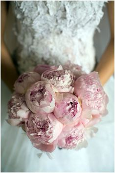 pink peonies bridal bouquet via www.frenchweddingstyle.com #wedding