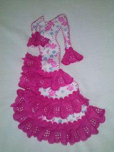 Camiseta personalizada con traje de flamenca Applique Pillows, Applique Patterns, Applique Quilts, Applique Designs, Little Girl Dresses, Girls Dresses, Summer Dresses, Spanish Dress, Sewing Appliques