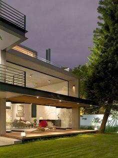 Casa Jacarandas / Hernandez Silva Arquitectos