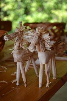 1 million+ Stunning Free Images to Use Anywhere Diy Crafts For Kids, Fun Crafts, Paper Crafts, Autumn Crafts, Nature Crafts, Corn Husk Crafts, Corn Husk Dolls, Christian Crafts, Halloween Doll