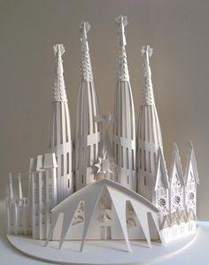 Arquitectura de papel, la Sagrada Familia de Megan Brian.