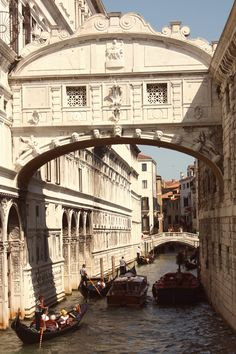 C l a s s y-in-the-city (illusionwanderer: Bridge of Sighs, Venice.)