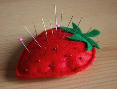 Coudre un pique aiguilles fraise