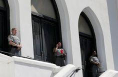 Após assassinatos em Charleston, igrejas passam a contratar seguranças armados nos EUA