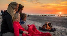 Camping Ostsee Lagerfeuer am Strand