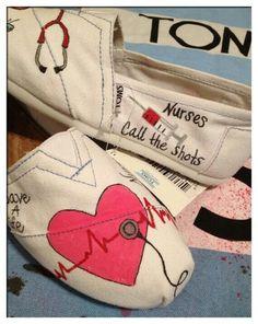 Nursing Toms! I want!!!!!