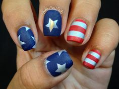 We'll never get tired of patriotic nail art!