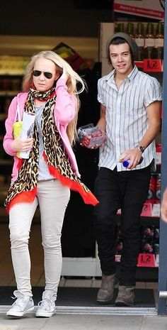 Harry and Helen (vocal coach)..... lol i saw this pic and thought they were dating... HAHAHAHAHA