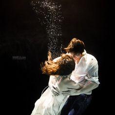I love underwater romance shots