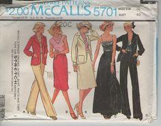 ON SALE 1970s McCalls Sewing Pattern No 5701 by jennylouvintage