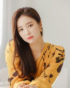 Shin Se Kyung, Real Beauty, Asian Beauty, The Body Shop, Kim Tae Hee, Female Eyes, Korean Actresses, Blonde Beauty, Korean Celebrities