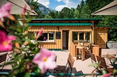 Waldruhe - Bett, Frühstück & ein Lächeln Bed And Breakfast, Cabin, House Styles, Outdoor Decor, Home Decor, Woodland Forest, Bed, Decoration Home, Room Decor