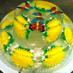 All made of gelatin and edible and so pretty for summer or a shower Jello Cake, Jello Desserts, Gelatin Recipes, Jello Recipes, Jelly Flower, Flower Food, Edible Food, Edible Art, 3d Jelly Cake