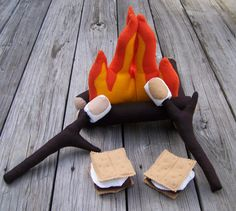 Felt Campfire Play Set with S'mores