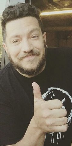 Sal thumbs up 👍 You Funny, Hilarious, Jokers Wild, Impractical Jokers, Lifelong Friends, I Want Him, Hooray For Hollywood, Dream Guy, Favorite Tv Shows