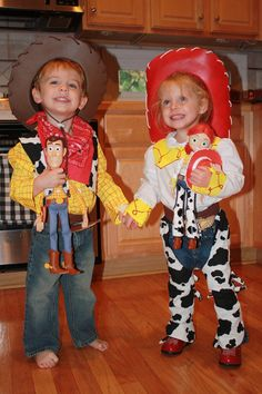 Jessie and Woody Halloween costumes...I think I can pull this off   sc 1 st  Pinterest & 103 best Twin costumes images on Pinterest | Costume ideas Twin ...