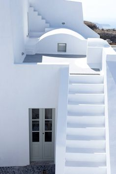 Located on the Aegean island of Santorini, in the picturesque village of Pyrgos, lies Villa Fabrica
