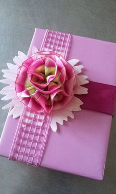 spring gift wrapping | gift wrap - a bit to do - pink spring flowers DIY tutorial - http://la ...