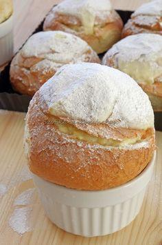 Szofika a konyhában...: Túrós zsemle Croissant Bread, Yeast Rolls, Sweet Pastries, Cake Cookies, Bread Recipes, Baked Goods, Good Food, Food And Drink, Sweets
