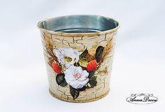AnnaDecou - decorated aluminium pot, flowers, strawberries, Metall Blumentopf