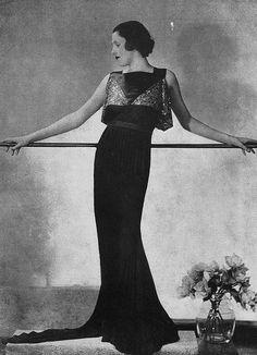 """Les Modes (Paris) April 1935 """"Nocturne"""" Robe du Soir par Gisèle.  Jaglady"""
