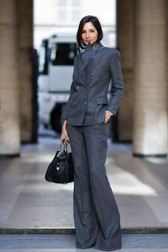 I love this woman's suit set.