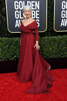 The 2020 Golden Globes Awards: The always-elegant Helen Mirren wore a regal ensemble with off-the-shoulder gown by Dior Haute Couture, a diamond necklace by Harry Winston and Aldo shoes. Dior Haute Couture, Couture Fashion, Fashion Fashion, Spring Fashion, High Fashion, Fashion Trends, Helen Mirren, Natalie Morales, Mary Katrantzou