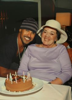 Priceless! my babe Shemar Moore and his momma!!!!! :)